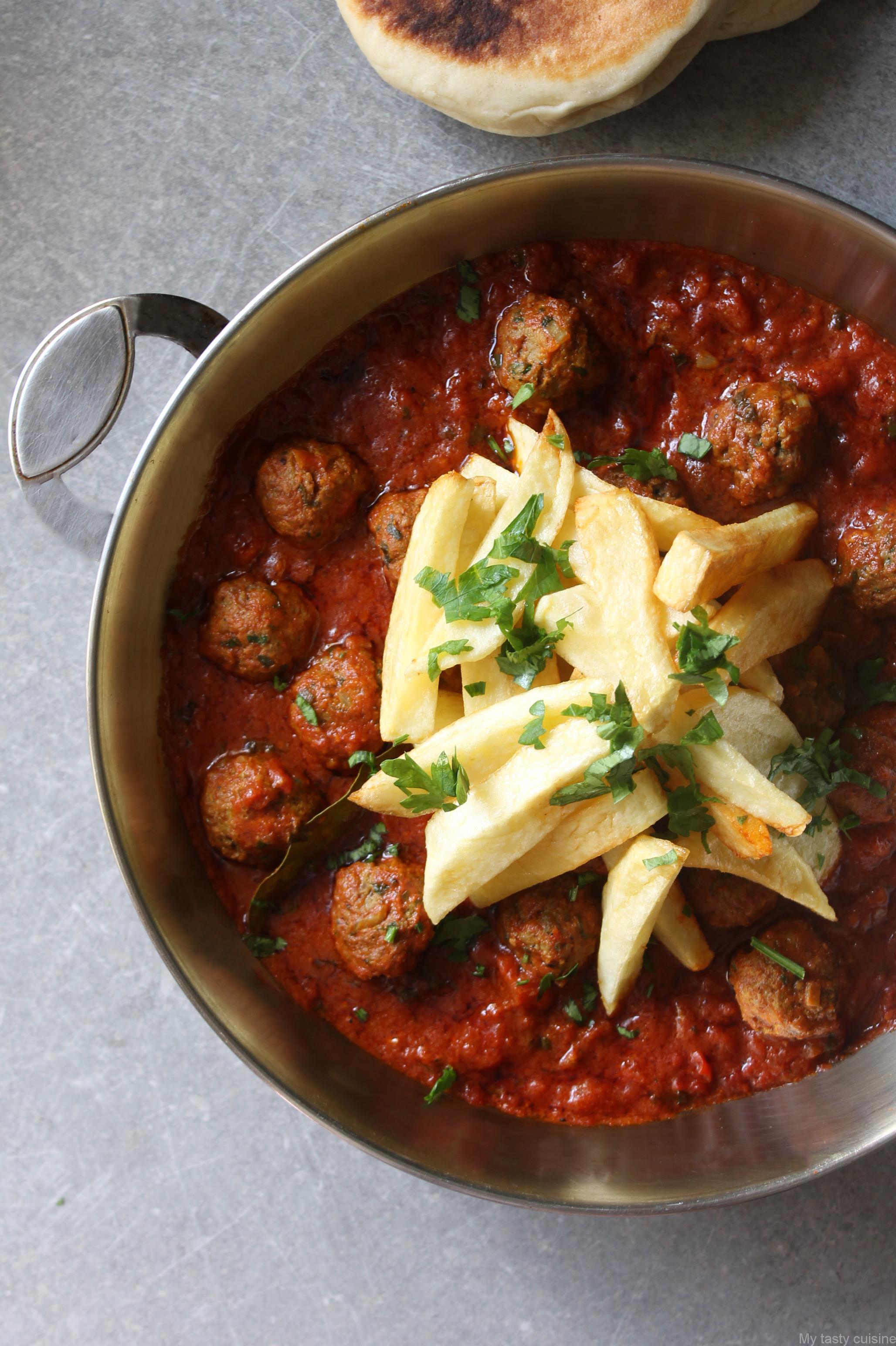 Tajine de kefta la sauce tomate - Cuisiner avec un tajine en terre cuite ...